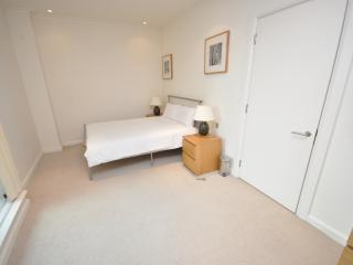 Superior Two Bedroom Apartment DDE 1*, London