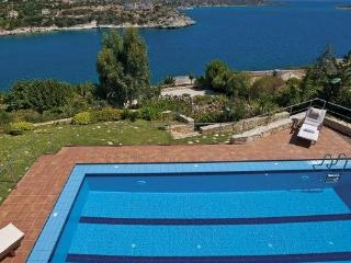 The heated pool just above the sea