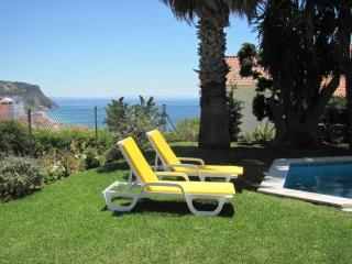 SESIMBRA 4 BEDROOM VILLA WITH PRIVATE SWIMMING POOL, GARDEN AND OCEAN VIEW