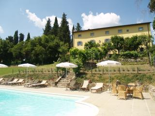 Villa di Catarsena, comfortable with heated pool, Bibbiena