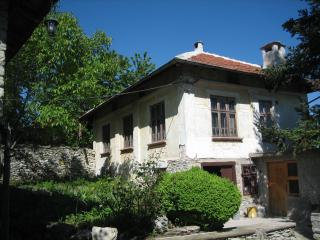 walnut cottage,163,momin sbor, veliko turnovo