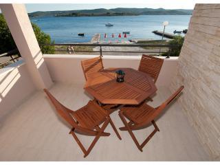 BonaMare - seafront apartment Zadar
