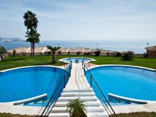 LUXURY 3 BED 2 BATH VILLA ,WITH STUNNING SEA VIEWS, La Herradura