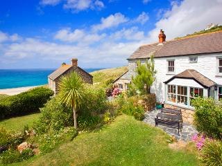 PETRA , traditional cornish cottage by the beach with lush garden and sea views