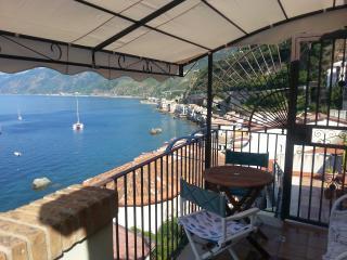 Casa Vacanze Vita Loft con Terrazzo, Scilla