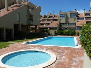 Apartamento con piscina comunitaria en la playa, Pals