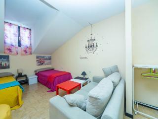 Place&Price: Abuhardillado, Romantico, Pleno centro SOL ,70m2, 2 hab, XBOX