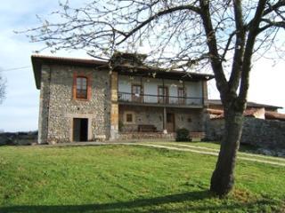 Casa Rural, 300 m2, 8 pax , Asturias, jardín, Torin