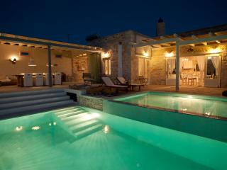 Luxus Villa THEA ,Seaview, heatable Infinity Pool, Garden