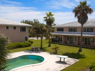 One-bed Apartment on the Water close to the Beach, Freeport