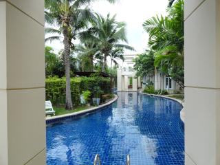 Blue Lagoon Condo Hua Hin (Sheraton compound)