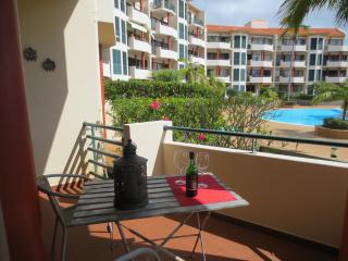 V. Funchal II - Apartment with Swimming pool