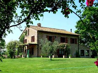 Secluded villa with private pool near Otricoli