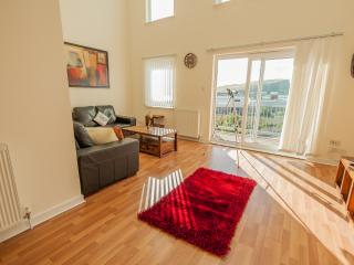 Modern Penthouse/ old town and Holyrood park views, Edimburgo