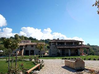 Large villa with shared pool, panoramic location., Lugnano in Teverina