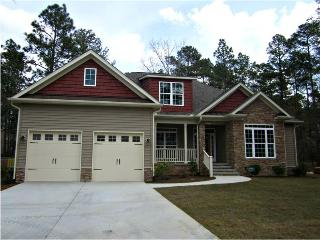 AME Golf House - 6 BR - Sleeps 8 - 12 - Built by Golfers, for Golfers - Suitable for Large Families or Wedding Parties, Pinehurst