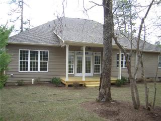 AME Golf House - 6 BR - Sleeps 8 - 12 - Built by Golfers, for Golfers - Suitable for Large Families or Wedding Parties