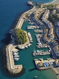 Marina del Este harbour is the location for diving  and sailing tours