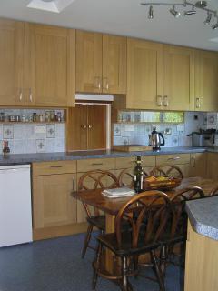Kitchen showing hatch to diningroom