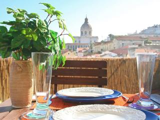 Amazing river view terrace. City centre. Free wifi, Lisbonne