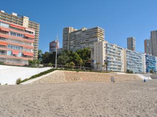 PLAYA DE PONIENTE- VISTAS AL MAR- WIFI -
