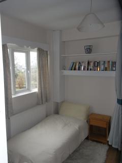 Landing/extra bedroom