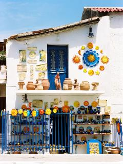 Pottery shop-don't forget to buy souvenirs for your friends...