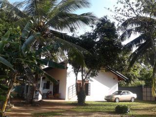Magnoon, Hikkaduwa