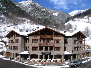 ch mountain apartments, Llorts