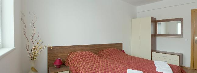 Twin room, view 2