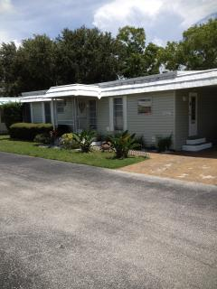 Cute cozy 2 bedroom home, Largo