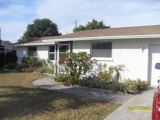 Vacation Pool Home near Shamrock and Beaches, Venise