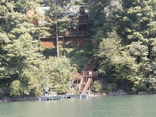 Norris Lake Front 5BR 4BA Labor Day Weekend avail, Jacksboro