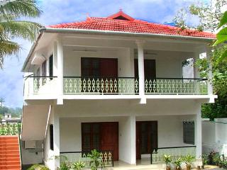 green mount cottage. Tariff  for double occupancy., Kalpetta