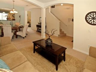 6 Bedrooms Home with a fitness room and 10 minutes from Disney, Kissimmee
