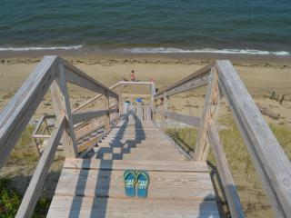 Eastham MA 4 BDR Private Water Front Sunset Deck, North Eastham