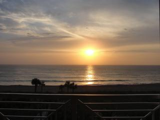 Dramatic Direct Ocean Front Condo, Fort Pierce
