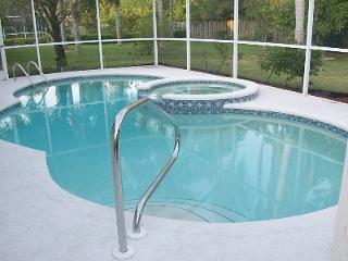 Enjoy Naples Sun, Pool Home, close to Golf & Beach