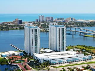 Waterfront Condo overlooking Daytona Beach, Holly Hill