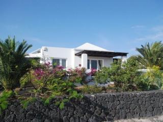 Villa con vistas al mar y a Fuerteventura. Ideal para familias.Turismo diferente
