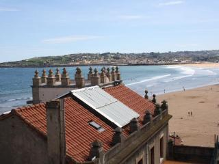 Gijon junto playa y plaza Mayor