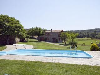 Casa Rural para 13 personas..., Sagas