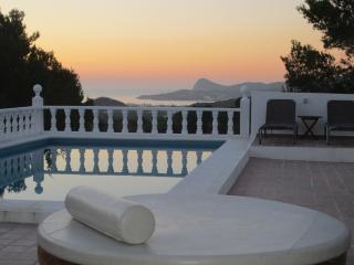 Can Rafalet. Finca reformada con piscinas y vistas bahia San Antonio AQ-E-123/06, Sant Josep de Sa Talaia