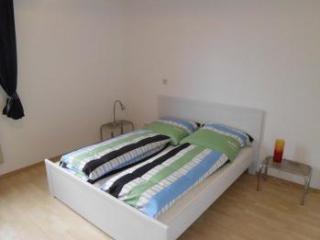 B5 Huge apartment in Bergisch Gladbach Refrath, Delbrück