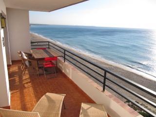 Primera línea playa Miami Playa + piscina