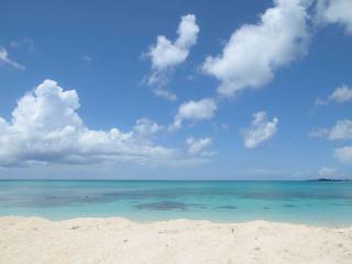 Island Retreat Condo Cable Beach off West Bay St., Nassau