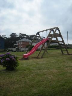 Jardín, zona infantil