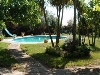 Villa en Camos (Nigrán) piscina y jardín privados