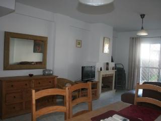 Chalet 3 dormitorios, vistas a la piscina y golf.