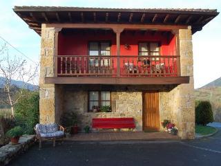 Fachada de La Cuadrina, apartamento independiente y con su propio jardin